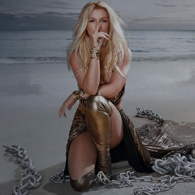 NEW SONG: Britney Spears - Swimming In The Stars