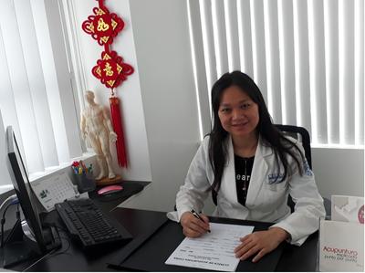 Dra. Luo Lijuan - ACUPUNTURA CHINA
