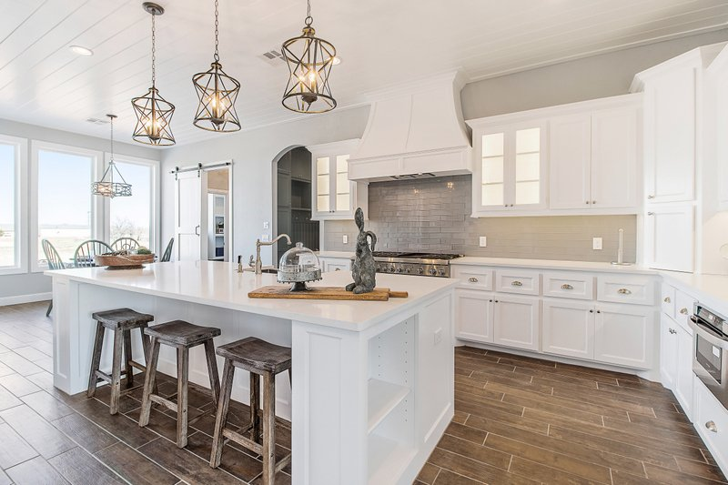 KITCHEN DESIGN -- CHOICES THAT FIT YOUR STYLE!