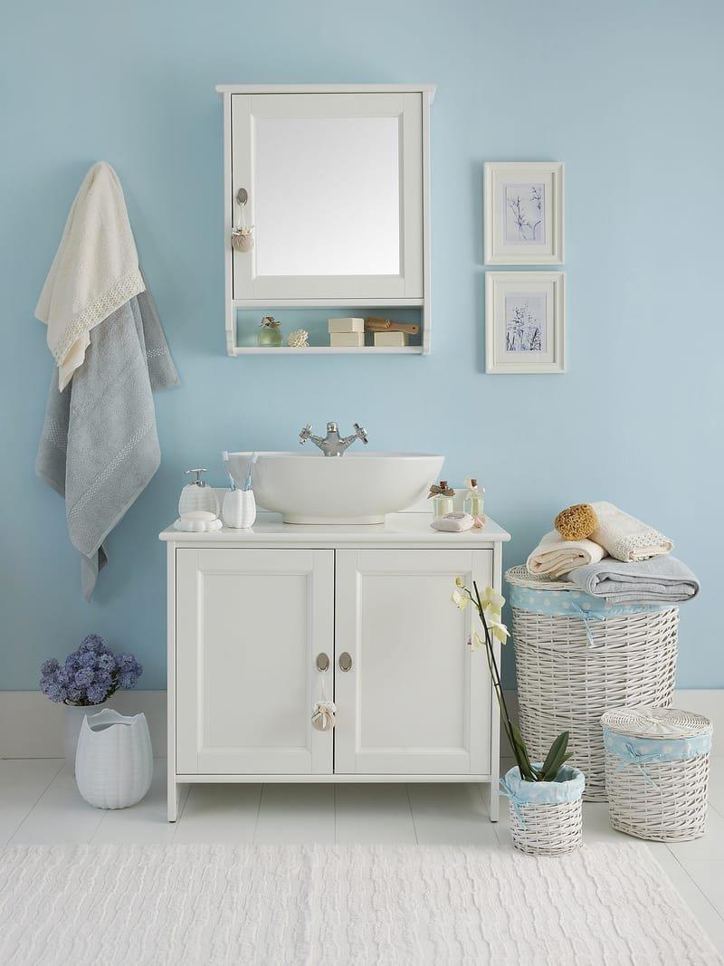 Flooring - Toilets - Vanities - Lighting