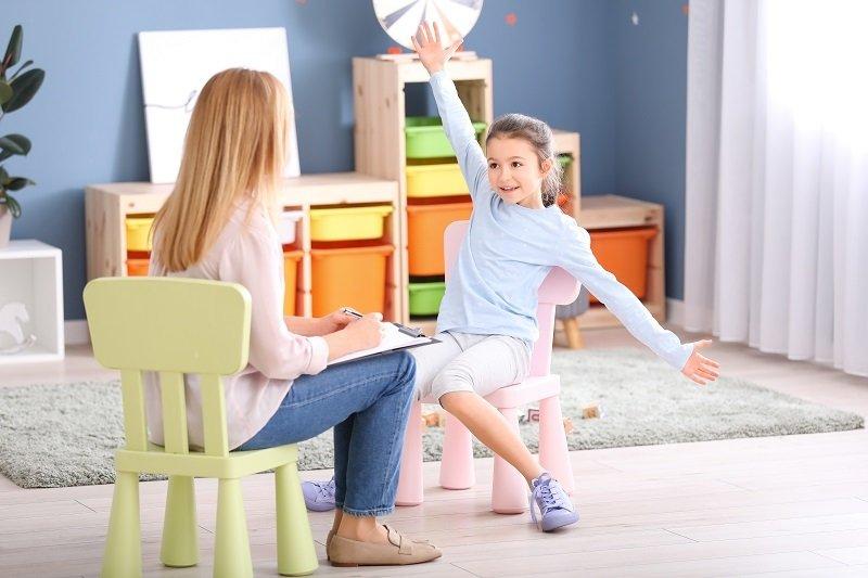 COMMENT SE PASSE UNE CONSULTATION D'HYPNOSE AVEC UN ENFANT ?
