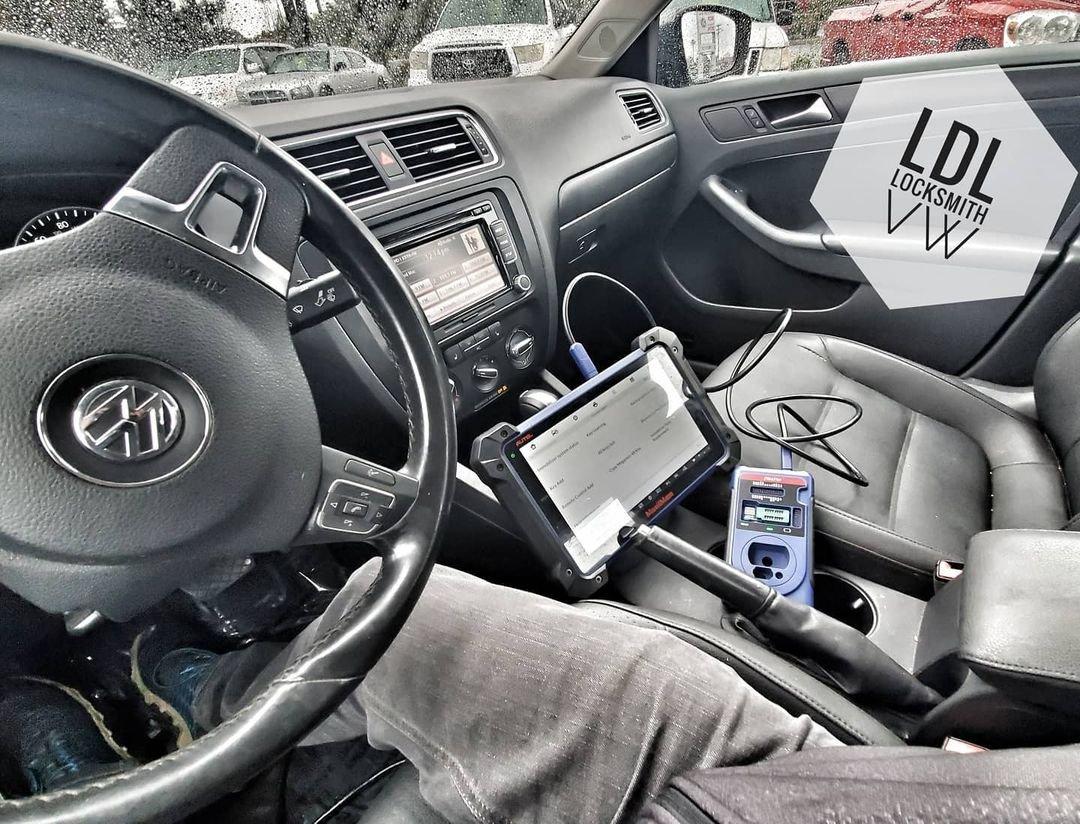 mobile car key maker, car key replacement, car rekey