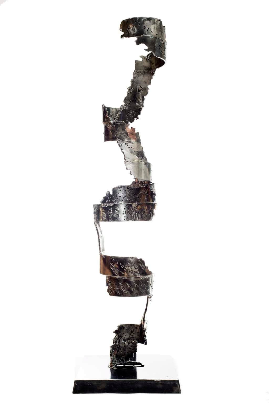 Insights IV | 2013 | Iron & brass sculpture | 148x40x40 cm | Rami Ater