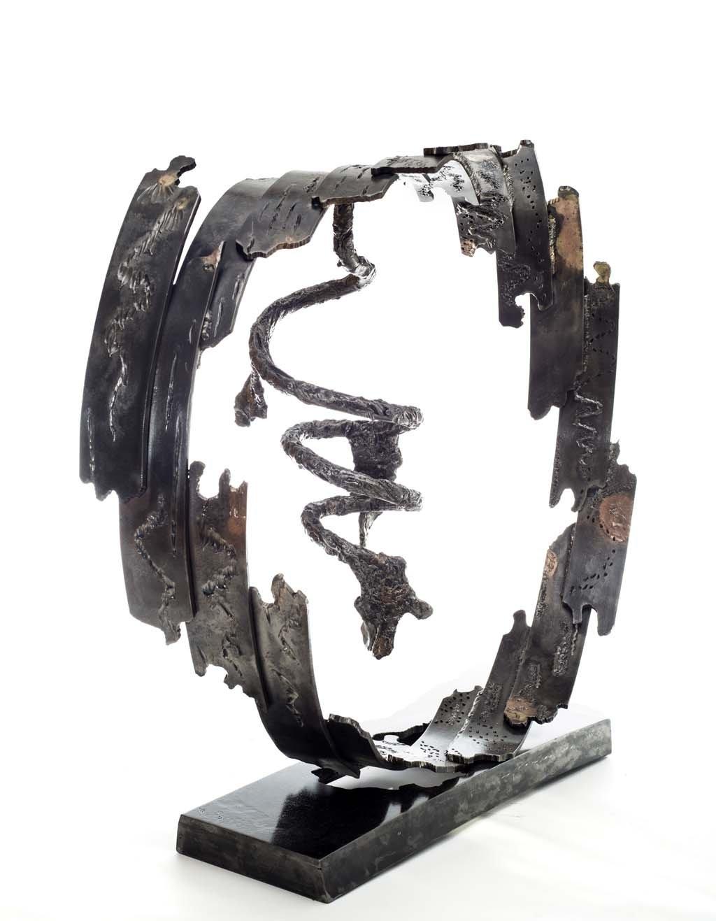 Insights VII   2014   Iron & brass sculpture   85x96x40 cm   Rami Ater