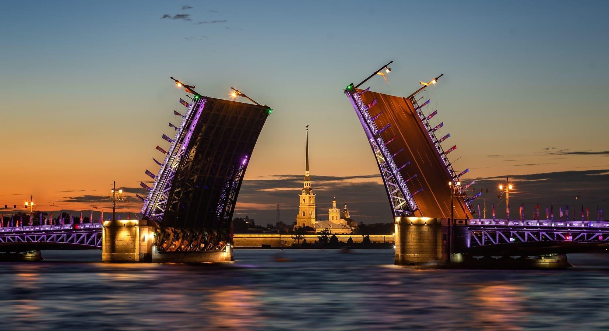 English-Speaking Sightseeing City Tour Price in St Petersburg