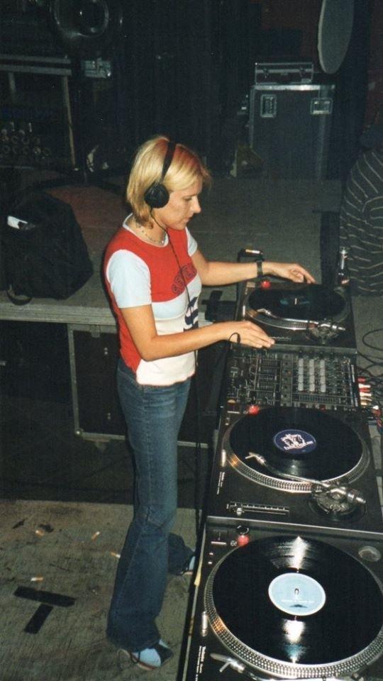 Peggy Deluxe Profile Standing -  Scientific Sound Asia