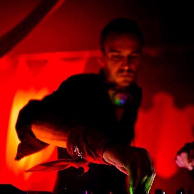 Guest DJ Anonymous Z - Scientific Sound Asia