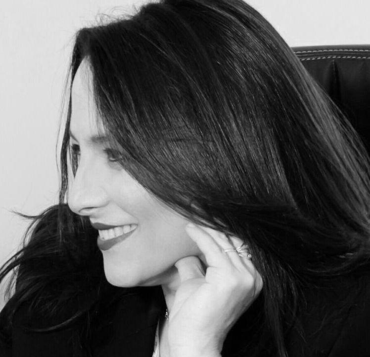 """עו""""ד ונוטריון רות אלדן אורנשטיין - מגשרת, בוררת ומומחית לניהול מו""""מ, מייסדת ומנהלת המרכז"""