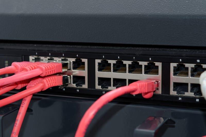 ציוד נלווה לארונות תקשורת מחשבים